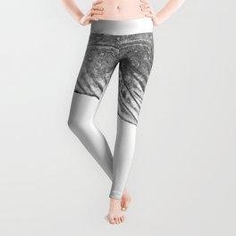 Grey Humpback whale portrait Leggings