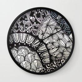 Black and white designe 6 Wall Clock