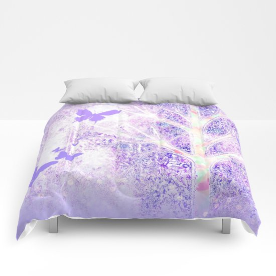 Lila white spring dream with butterflies Comforters