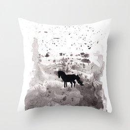 Horse (SNOW) Throw Pillow