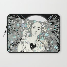 Tangled Up in Life (A Portrait of Nature) Laptop Sleeve