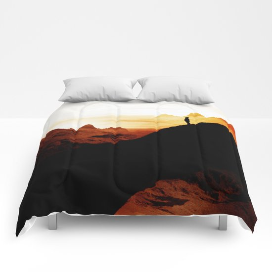 Red wasteland Comforters