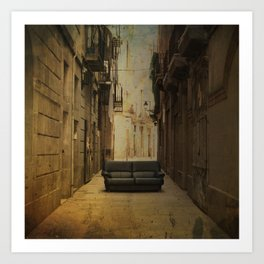 Amazing big things I found in Barcelona's streets Art Print