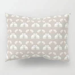 Arctic animals on pale grey Pillow Sham