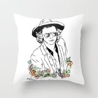 harry styles Throw Pillows featuring Harry Styles by Mariam Tronchoni