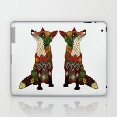 fox love off white Laptop & iPad Skin