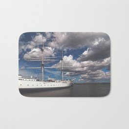 Take me over the horizon Bath Mat