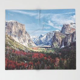 Tunnel View Yosemite Valley Throw Blanket