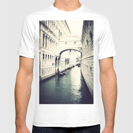 Ponte dei Sospiri, Venice T-shirt