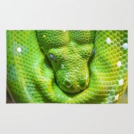 Green tree python Rug