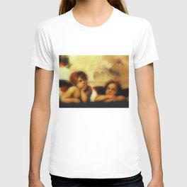 """Raffaello Sanzio da Urbino """"Sistine Madonna"""", 1513-1514 - angels (1) T-shirt"""