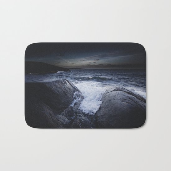 Crashing memories Bath Mat