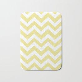 Green-yellow (Crayola) - beije color - Zigzag Chevron Pattern Bath Mat
