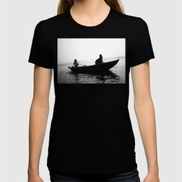 In search of peace, Varanasi. INDIA T-shirt
