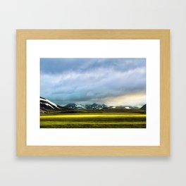 Isländischer Morgen Framed Art Print