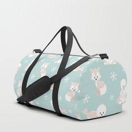 ARCTIC FRIENDS (green) Duffle Bag