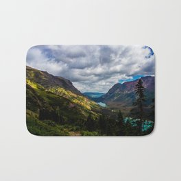 The valley and beyond Bath Mat