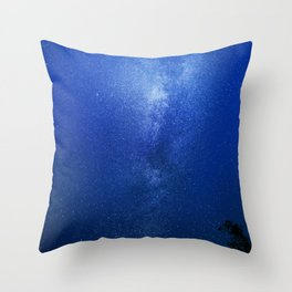 Looking up into the milkyway galaxy Throw Pillow