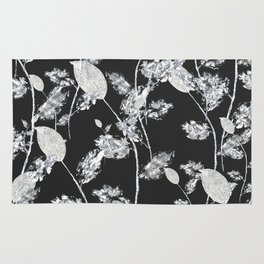white leaf pattern Rug