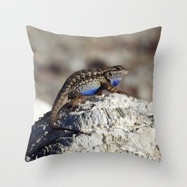 Western Fence Lizard Throw Pillow