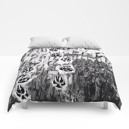 Paw prints in the Snow Comforters