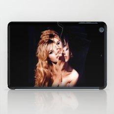 BB mit Riss iPad Case