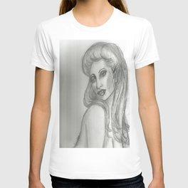 ALLURING T-shirt