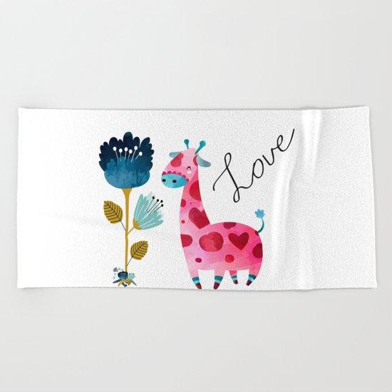 Love Girffe Beach Towel