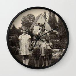 Das Haus Wall Clock