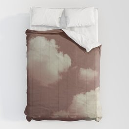 NEPHELAI SERIES Little clouds on dusty pink Comforters