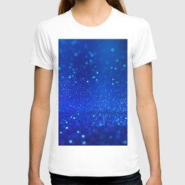 Abstract blue bokeh light background T-shirt