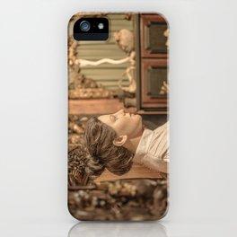 la salle d'attente iPhone Case
