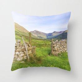 Ben Nevis Mountain Range Throw Pillow