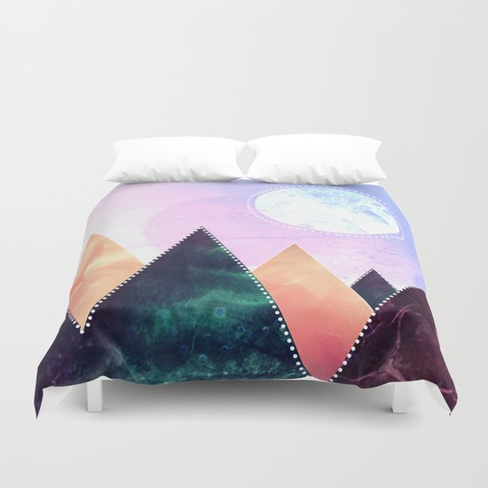 Sunrise of the moon Duvet Cover