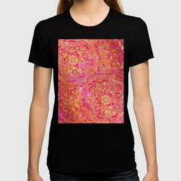 Hot Pink and Gold Baroque Floral Pattern T-shirt