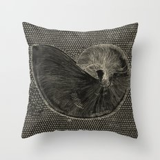 SEASHELL IN BLACK Throw Pillow