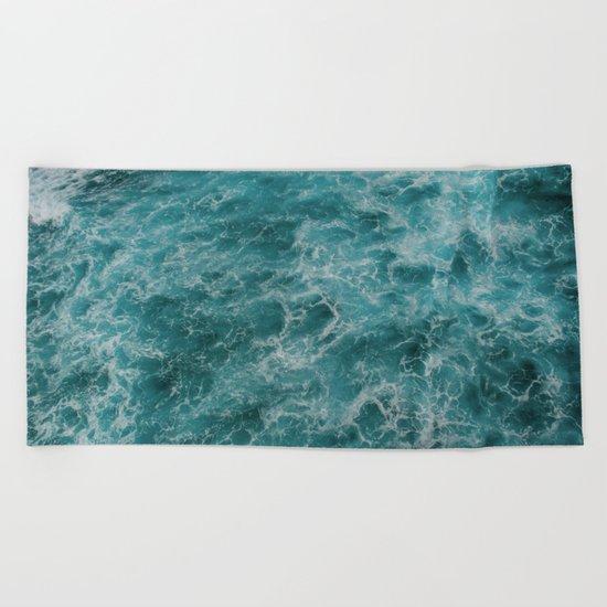 faded waves Beach Towel