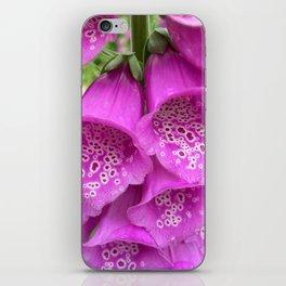 digitalis bloom macro II iPhone Skin