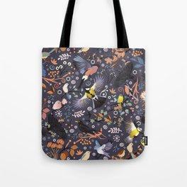 Tweet, tweet in the garden Tote Bag