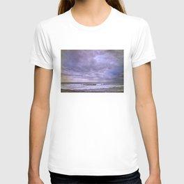 Purple sunset at the beach T-shirt