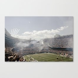Chicago Bears - Plane Flyby Canvas Print