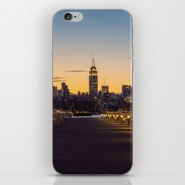 Sunset in New York City (Color) iPhone Skin