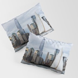 Sailing boat against skyline of New York Pillow Sham
