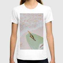 lets surf xxxvii / honolulu, hawaii T-shirt