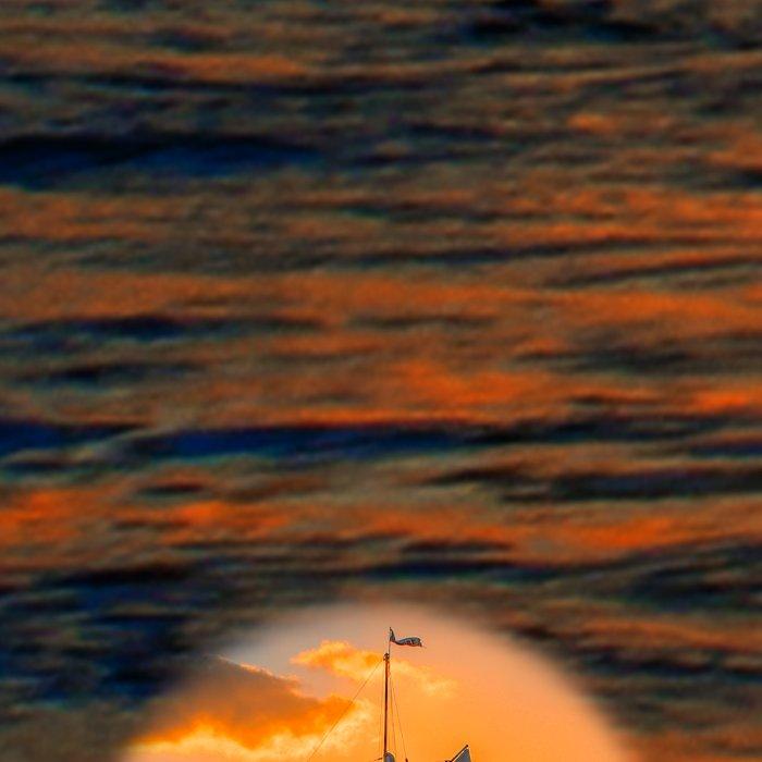 Sunset Sail and Plane Leggings