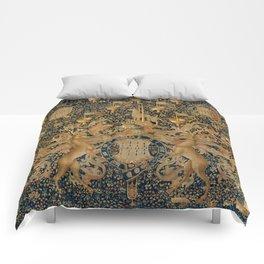 Vintage Golden Deer and Royal Crest Design (1501) Comforters
