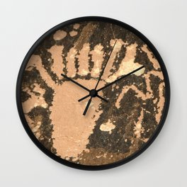 Six Toes or Seven? Wall Clock