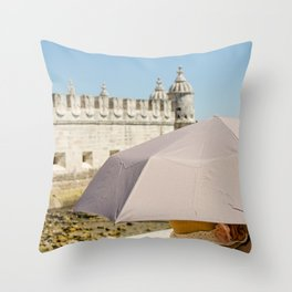 Touriste Throw Pillow