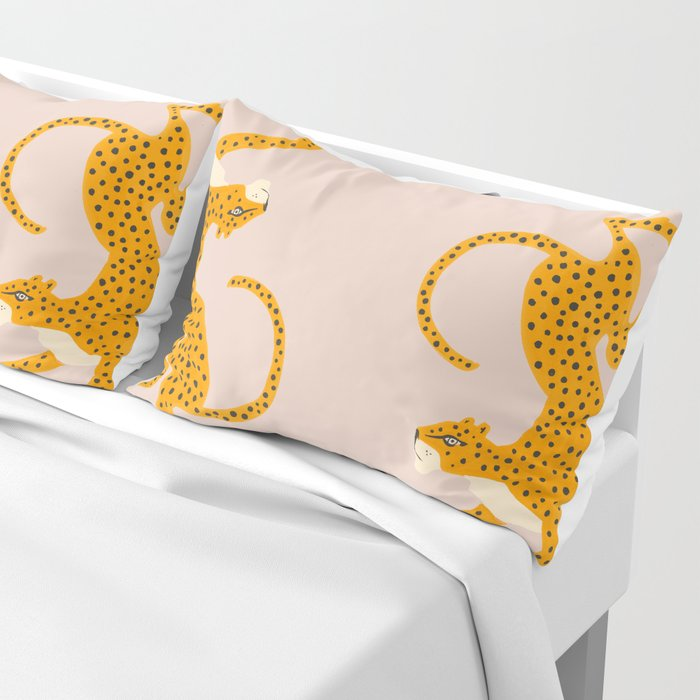 Leopard Race - pink Pillow Sham