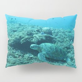 Resting green turtle Pillow Sham